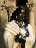 Statue of Kateri Tekakwitha, the Cathedral Basilica of St. Francis of Assisi, Santa Fe, New Mexico, Fotografie-Druck von Richard Maschmeyer