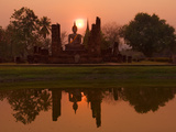 Wat Mahathat, Sukhothai Historical Park, UNESCO World Heritage Site, Sukhothai Province, Thailand,  Fotografie-Druck von Ben Pipe