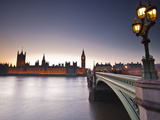 Looking across the River Thames Towards the Houses of Parliament and Westminster Bridge, London, En Photographic Print by Julian Elliott