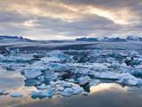 Jokulsarlon, South Iceland, Iceland, Polar Regions Fotografisk tryk af Ben Pipe