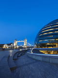 City Hall Building, Home of the Greater London Authority, Tower Bridge over the River Thames, Borou Photographie par Kimberley Coole