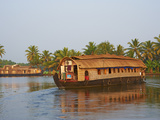 Houseboat for Tourists on the Backwaters, Allepey, Kerala, India, Asia Lámina fotográfica por Tuul