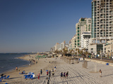 Beachfront Hotels in Late Afternoon, Tel Aviv, Israel Photographie par Walter Bibikow