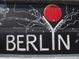 Eastside Gallery (Berlin Wall), Muhlenstrasse, Berlin, Germany Reproduction photographique par Jon Arnold