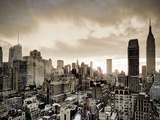 USA, New York, Manhattan, Midtown Skyline Including Empire State Building Fotografie-Druck von Alan Copson