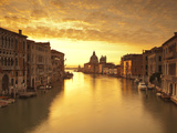 Santa Maria Della Salute, Grand Canal, Venice, Italy Fotografisk tryk af Jon Arnold
