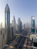 Uae, Dubai, Sheikh Zayed Road (Highway E11) Fotografiskt tryck av Alan Copson
