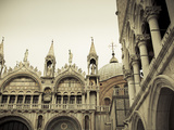 San Marco Basilica, Piazza San Marco, Venice, Italy Fotografisk tryk af Jon Arnold