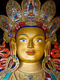 India, Ladakh, Thiksey, the Immense and Beautifully Gilded Maitreya Buddha in the Chamkhang Temple  Fotografie-Druck von Katie Garrod
