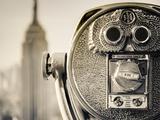 USA, New York, Manhattan, Midtown, Empire State Building from Top of the Rock, Rockefeller Center,  Fotografiskt tryck av Alan Copson
