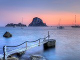 Spain, Balearic Islands, Ibiza, Cala D'Hort Beach and Es Vedra Island Fotografisk tryk af Michele Falzone