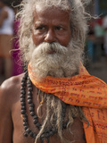 A Hindu Holy Man, or Sadhu, Near Manikula on the Outskirts of Kolkata Lámina fotográfica por Nigel Pavitt