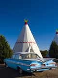 USA, Arizona, Holbrook, Route 66, Wigwam Motel, Chevrolet Impala Photographic Print by Alan Copson