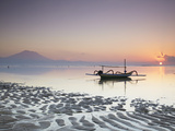 Boat on Sanur Beach at Dawn, Bali, Indonesia Stampa fotografica di Ian Trower