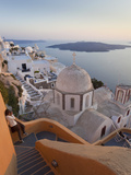 Church and Fira Town at Sunset, Fira, Santorini (Thira), Cyclades, Greece Fotodruck von Peter Adams
