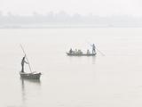 Boatmen in Gandak River. Sonepur Mela, India Photographic Print by Mauricio Abreu