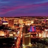 Las Vegas Strip at Night, Las Vegas Posters par Tony Strong