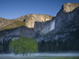 Yosemite Falls, Yosemite National Park, Sierra Nevada Mountains, California, USA Photographic Print by Sean Bagshaw