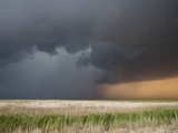 The Core of a Severe Thunderstorm with Torrential Rain and Hail in Western Kansas Fotografie-Druck von Jon Van de Grift