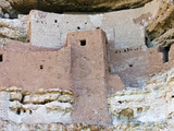 Sinagua Native American Cliff Dwellings, Montezuma Castle National Monument, Arizona, USA Fotografie-Druck von Gustav Verderber