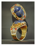 Scarab Bracelet, from the Tomb of Tutankhamun, New Kingdom (Gold and Lapis Lazuli) Giclee Print by  Egyptian 18th Dynasty