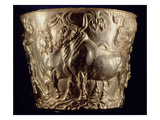 Cup, Depicting a Domestic Bull, Found in the Royal Tomb of Vaphio, Sparta, Late Minoan I, C.1500 BC Giclee Print by  Minoan