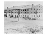 The Confederate Libby Prison for Prisoners of War at Richmond, Virginia (B/W Photo) Gicle-tryk af Alexander Gardner