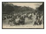 Postcard Depicting the Return from the Races, Avenue Du Bois De Boulogne, Paris, C.1900 Giclee Print by  French Photographer