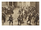Fighting on the Home Front, 1919 (B/W Photo) Giclee Print by  German photographer