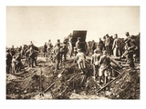 German Battery Moves Ahead over Difficult Terrain before Fismes Giclee Print by  German photographer