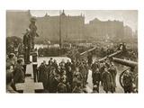 During a Lull in Civil Strife in the Prussian Capital, 1919 (B/W Photo) Giclee Print by  German photographer