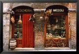 Fahrrad vor einem historischen Lebensmittelladen abgestellt, Siena, Toskana, Italien Kunstdruck