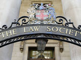 The Law Society Sign, City of Westminster, London, England Lámina fotográfica por Panoramic Images