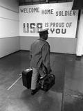 Welcome Home Soldier Fotografie-Druck von Sal Veder