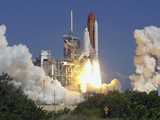 Space Shuttle Discovery Photographic Print by Paul Kizzle