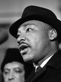 Dr. Martin Luther King, Jr. Talks to Newsmen Fotografisk trykk av Henry Burroughs