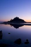 Monte de São Michel, Cornualha, Inglaterra ao pôr do sol Impressão fotográfica por Charles Bowman