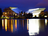 University of Washington - Purple Haze: Husky Stadium from the Lake Fotografisk tryk af Max Waugh