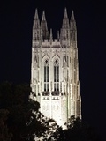Duke University - The Duke Chapel Lights Up the Night Foto av Lance King