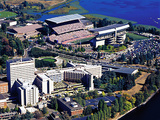 University of Washington - UW Aerial of Campus, Stadium and Lake Fotografisk tryk