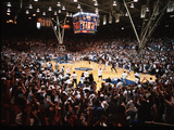 Duke University - Duke Fans Storm Cameron Indoor Stadium 1998 Fotografisk tryk
