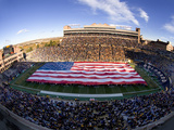 University of Colorado - Flag Covers Folsom Field Fotografisk tryk af Tim Benko