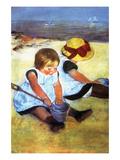 Enfants jouant sur la plage Affiches par Mary Cassatt