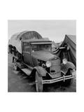 Truck Parked by Tent in Fsa Site Plakater af Dorothea Lange