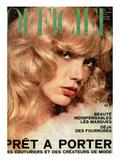 L'Officiel, 1974 - Eventail de Chloé Qu'Accompagne une Robe en Jersey Blanc Premium Giclee Print by Rodolphe Haussaire