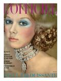 L'Officiel, 1970 - un Collier de Van Cleef et Arpels Style Reine Alexandra Posters by Roland Bianchini
