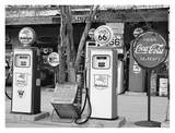 Gas Station Route 66 Posters af Richard Cummins