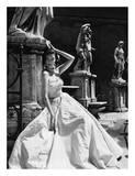 Vestido de noche, Coliseo, Roma 1952 Láminas por Genevieve Naylor