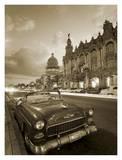 Vintage car on a Havana street Plakater af Angelo Cavalli