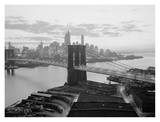 Brooklyn Bridge and Lower Manhattan skyline Print